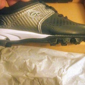 Boys NEW baseball shoes